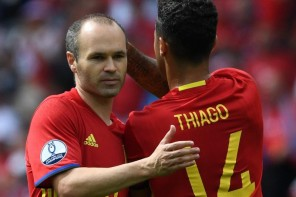 Spain 'lucky' to have Iniesta admit stars