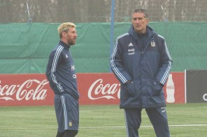 Bauza: Messi knows everything!